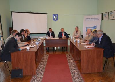 Громадське обговорення щодо поліпшення комунікації депутатів і виборців