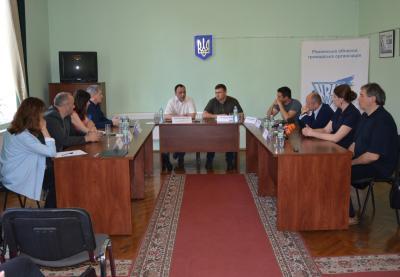 Круглий стіл щодо впливу російської пропаганди на вибори в Україні